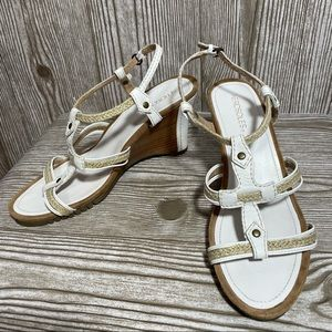 Aerosoles White Wedge Sandal Sz 9.5